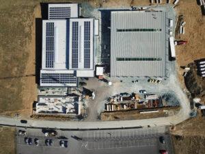 Hallenzubau und Bürogebäude EH-Holding Kemeten